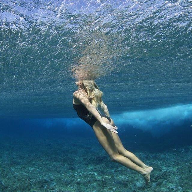 Блондинка серфингистка - Лаура Эневер