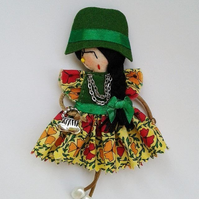 Брошки-куколки из фетра от @broshki_zhu