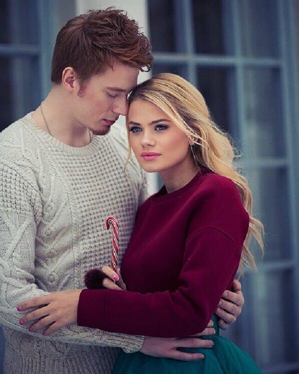 Никита Пресняков показал новогоднюю фотосессию с возлюбленной