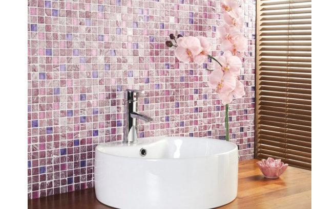 Разноцветная плитка в ванной комнате