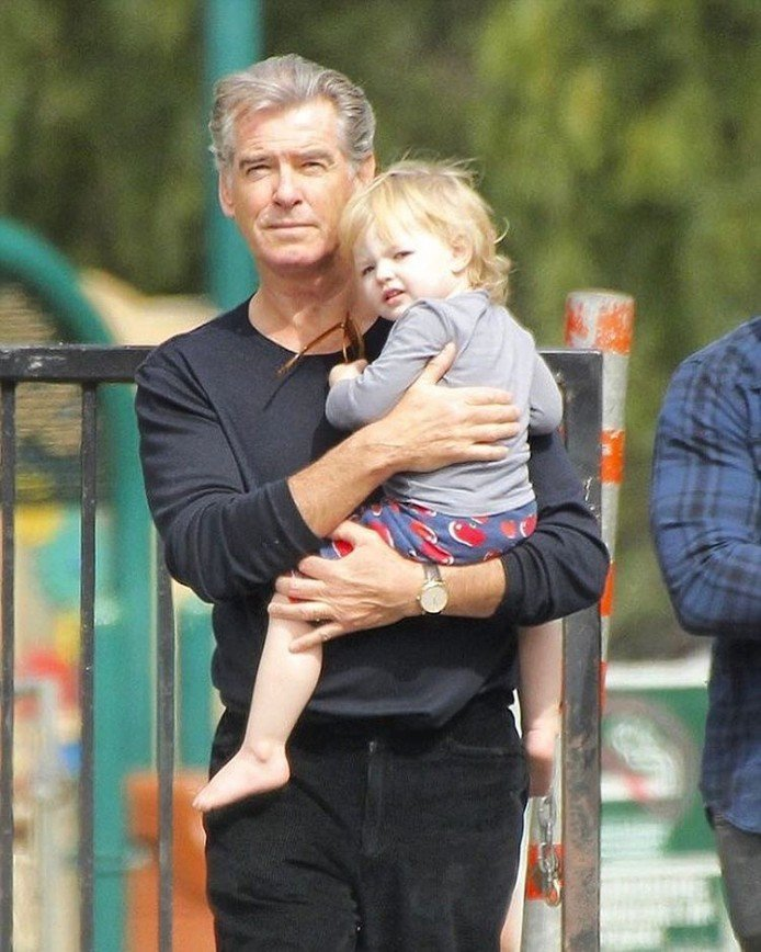Пирс Броснан - самый лучший дедушка в мире