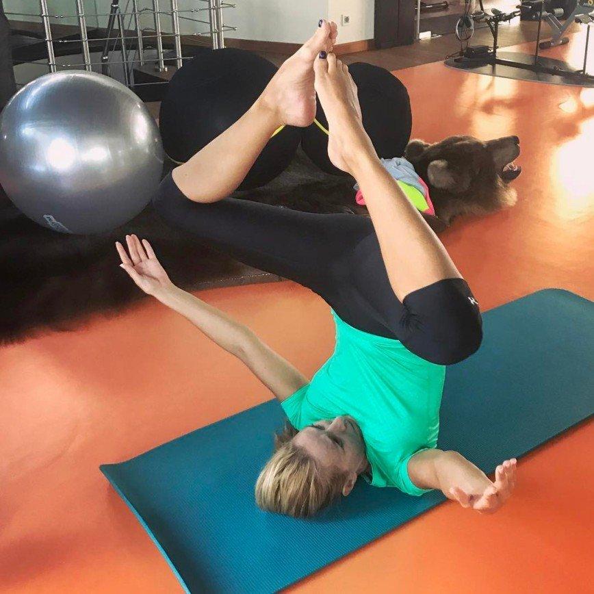 Татьяна Навка поделилась достижениями в йоге