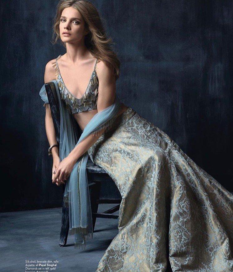 «Бедненькая. Груди совсем нет...»: Наталья Водянова снялась для Vogue