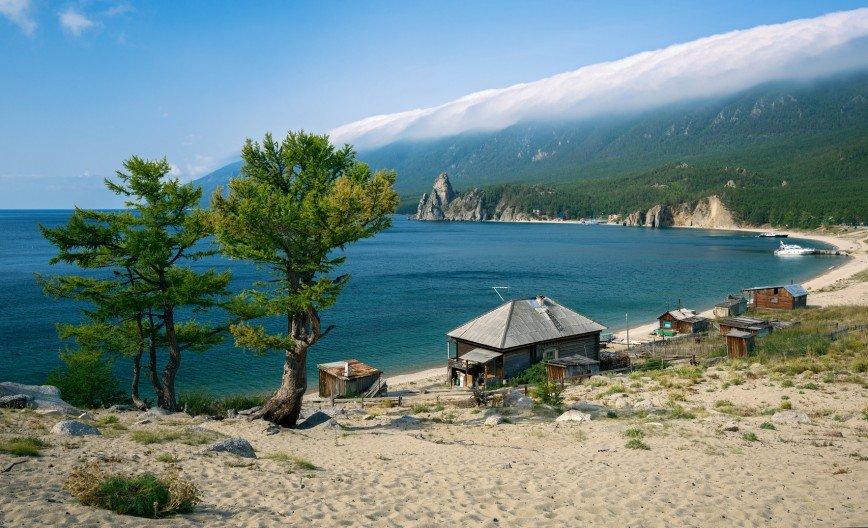 На Байкале туристам предлагают сувениры в обмен на мусор