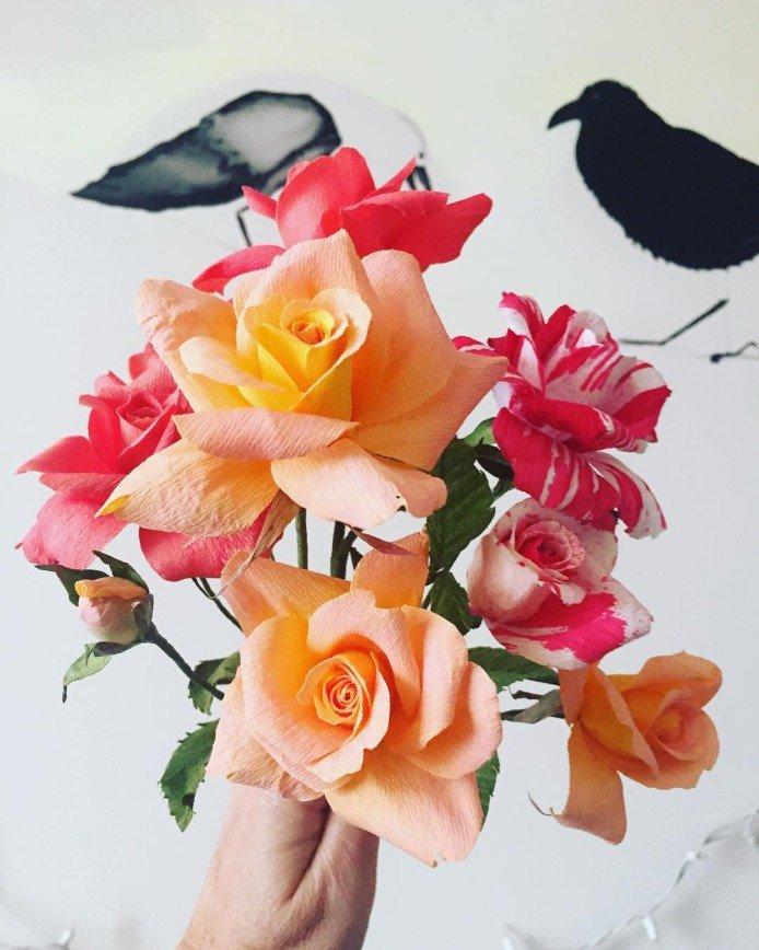 Тонкая работа: реалистичные бумажные цветы