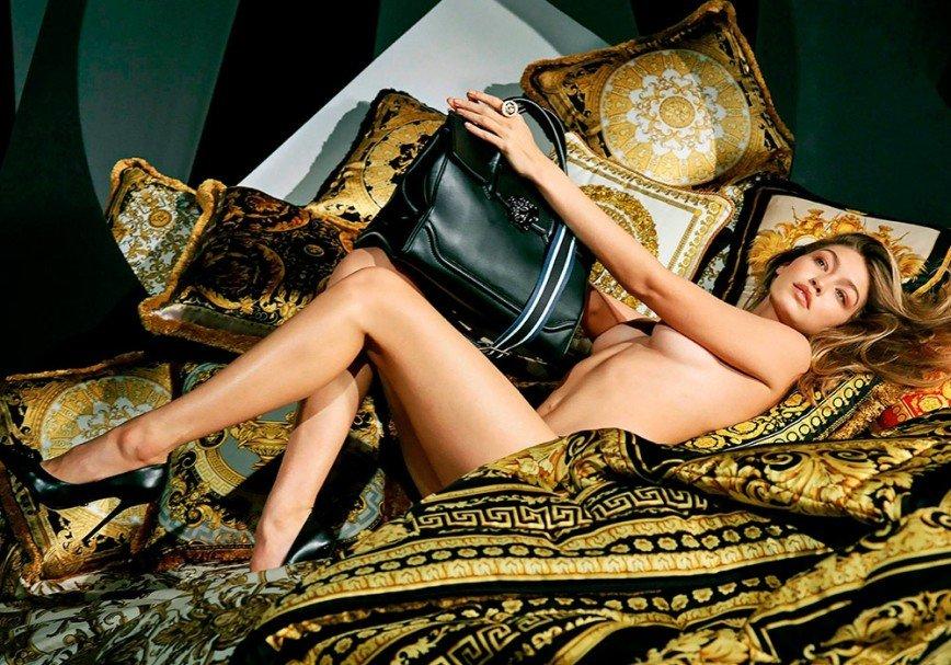 Полуобнаженная Джиджи Хадид в зимней кампании Versace