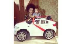 Сын Эвелины Бледанс получил машину в подарок