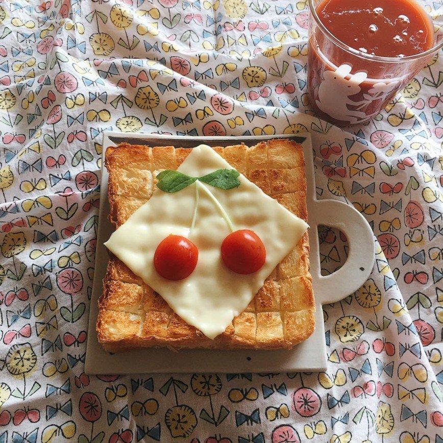 Тосты с вишенками на завтрак - новый тренд