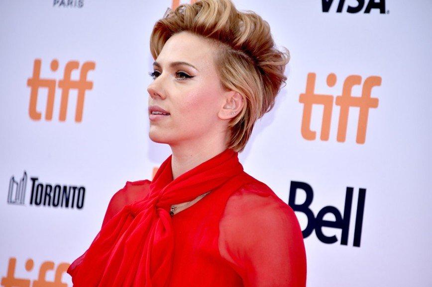 Скарлетт Йоханссон блеснула на кинофестивале в Торонто