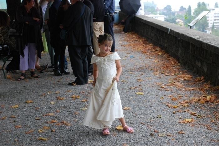 Полина на свадьбе.