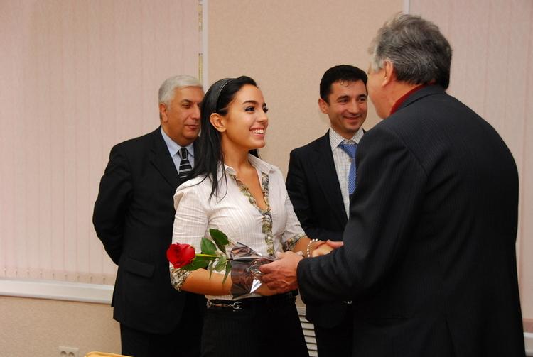 Розы дочери Президента Азербайджана
