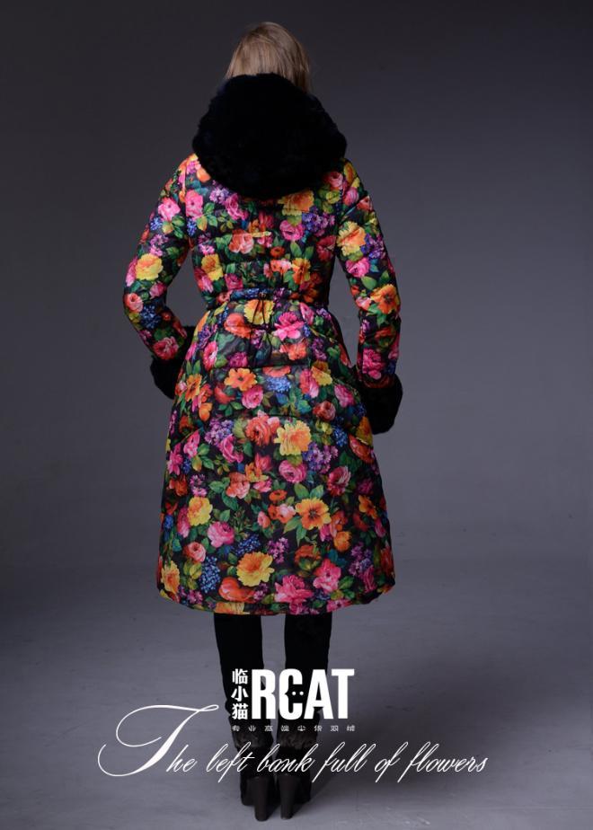 Длинный теплый пуховик с цветочным принтом moncler 706 chanel mademoiselle сумка цена