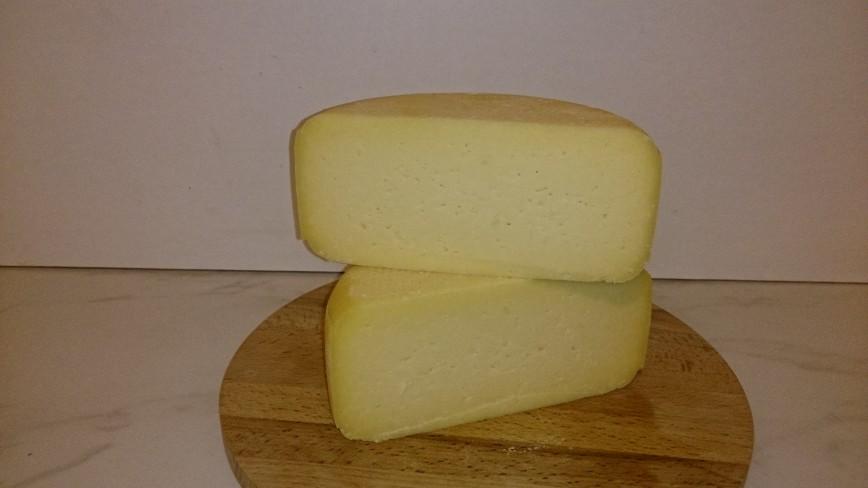 Автор: Cheesman, Фотозал: Рецепты, Легкоплавкий сыр, он употребляется как в свежем, ломтевом виде, так и в кулинарии, в выпечке. Так же подходит для фондю.
