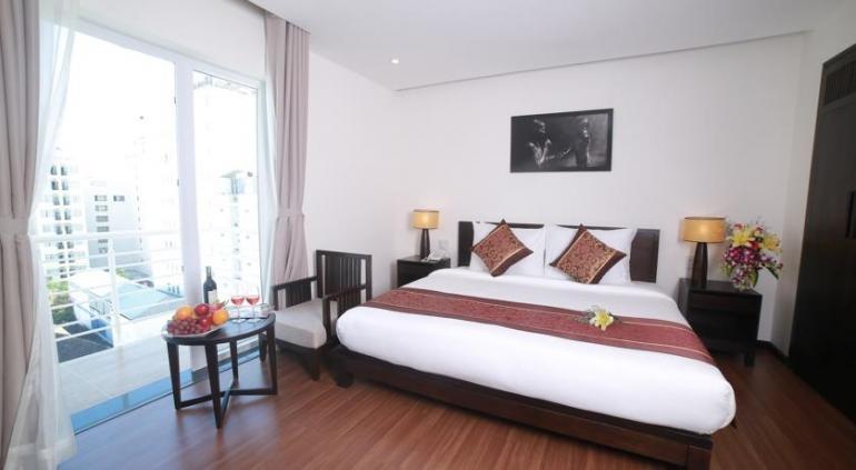 Edele Hotel Нячанг предлагает специальную, восторженный персонал отеля, оставит глубокий след в ваших гостей и остаться здесь. С 98 номеров, богатый и разнообразный типов номеров, особенно наш старший класс спальня зарезервированы для VIP гостей и семейных номеров, оборудованных с разумной ценой.Ресторан расположен на 02 этаже с около 180 посетителей. Обслуживание завтрак и блюда: азиатские, европейские и традиционные блюда Вьетнама трех исключений сделает вас удовлетворены. Source: http://www.hotels-in-vietnam.com/asia/vietnam/hotels_nhatrang/edele-hotel-nha-trang.html