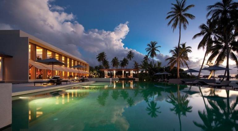 Сидя на живописном берегу Дананга, пляжный [url=http://www.hotels-in-vietnam.com/asia/vietnam/hotels_danang/hyatt-regency-danang-resort.html]Hyatt Regency Da nang Resort[/url] и Спа открывается прекрасный вид на Восточное море и Мраморные горы. С частным пляжем, также есть открытый бассейн, фитнес-центр и бесплатный Wi-Fi. Вы будете избалованы выбором в плане ресторанов на этом курорте, поскольку есть 3 ресторана, где подают завтрак, обед и ужин, где вы найдете большой выбор меню и хорошее место, чтобы поесть в течение дня.