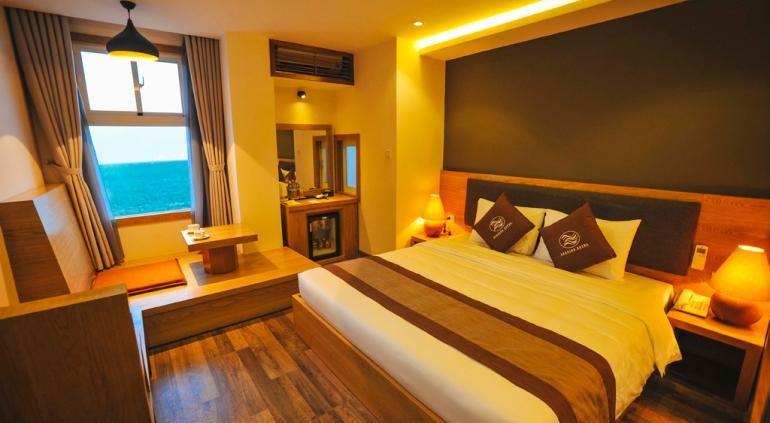 Наряду с рестораном, [url=http://www.hotels-in-vietnam.com/asia/vietnam/hotels_nhatrang/seasing-hotel-nha-trang.html]Seasing Отель Nha Trang[/url] имеет открытый бассейн и бар у бассейна. Также предоставляются бесплатный завтрак и бесплатный Wi-Fi в зонах общественного пользования. Другие услуги включают в себя конференц-зал, услуги консьержа и химчистка. Наряду с бесплатным завтраком, этот отель предлагает ресторан и химчистка / прачечная. Пляж отеля включают шезлонги и зонтики. Отдохните в открытом бассейне во время вашего пребывания в отеле. Необычные потягивая ледяной напиток в бассейне? Не пропустите также есть также бар у бассейна.