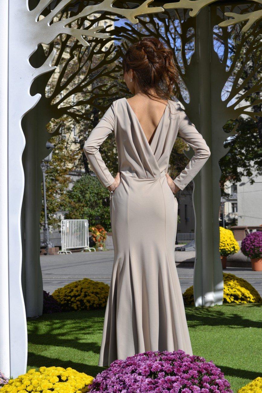 Автор: sashunichka, Фотозал: Мое хобби, Платье Элизе Бежевое платье , как вторая кожа, очень сексуальное. Взгляды окружающих 100% будут прикованы только к вам. Выполнено по типу рыбки. Спина открыта и изящно задрапированная на линии талии. Размер 44 Цена 4500 тел. 84955324204