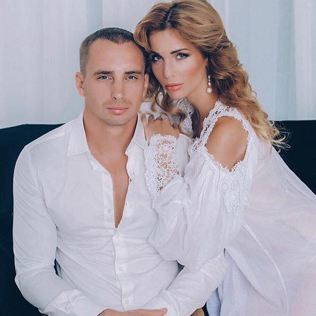 Возлюбленный Александры Гозиас изменял ей с 51-летней Натальей Штурм