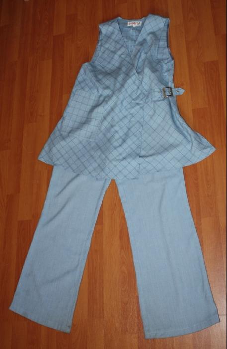 Костюм брюки + жилет. Дорогой, очень стильный. Дизайнерский. Хлопок с добавлением шерсти. Отлично сочетается со множеством рубашек и водолазок. Состояние нового. Размер 44. Хорошо сидит от 42 до 46. 1900р.