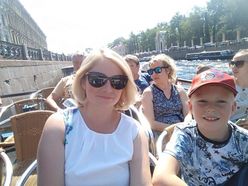 Подарок сыну - поездка Питер - Хельсинки. Она прошла на позитивной ноте и при жаркой солнечной погоде. Осталось много положительных эмоций от атмосферы этих городов и людей с которыми довелось пообщаться.