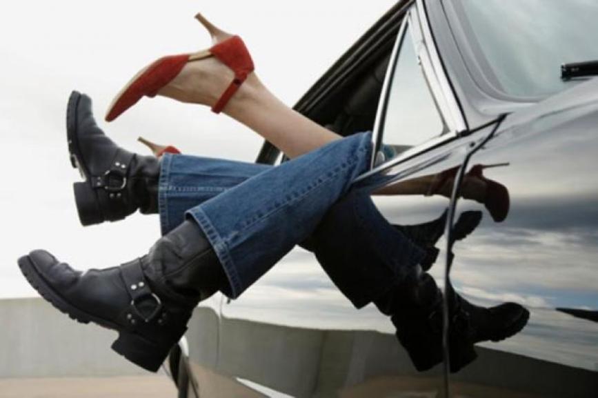 «Гибкость – сестра оргазма»: еварушницы вспоминают секс в машине