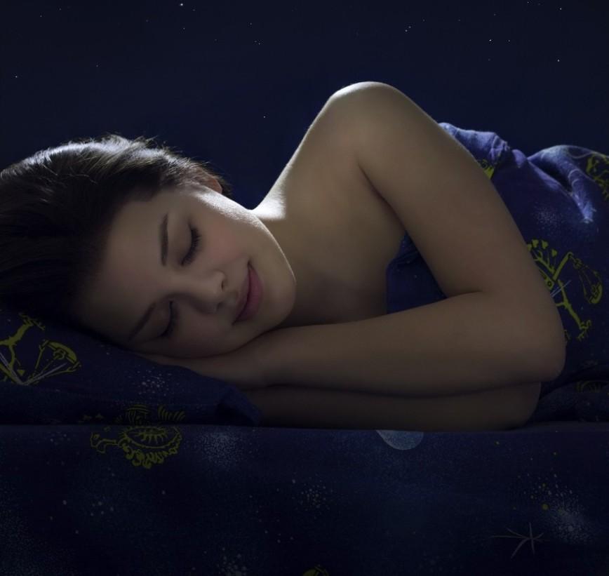 Кто боится спать без света? Выходи!