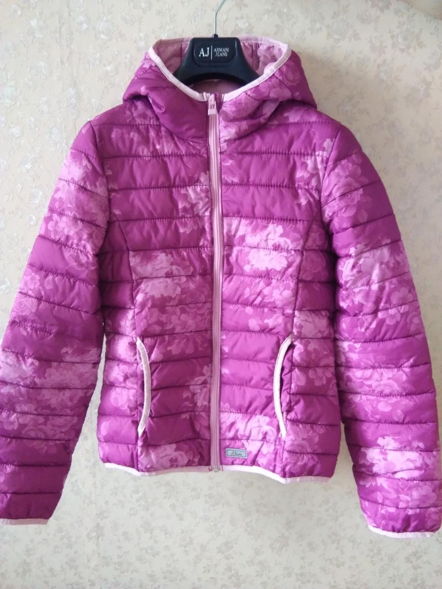 Великолепная куртка s.Oliver на раннюю весну, р.164, розовая с цветами, очень тёплая с наполнителем, состояние новой вещи. Длина по спинке 60-61см. Цена 2300 руб.