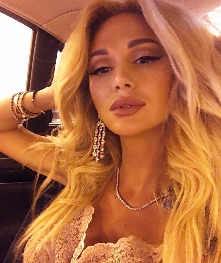 Виктория Лопырева стала похожа на трансвестита