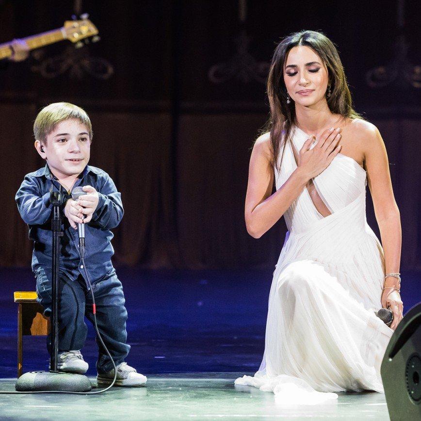 В сети решили, что Зара — мать звезды шоу «Голос»