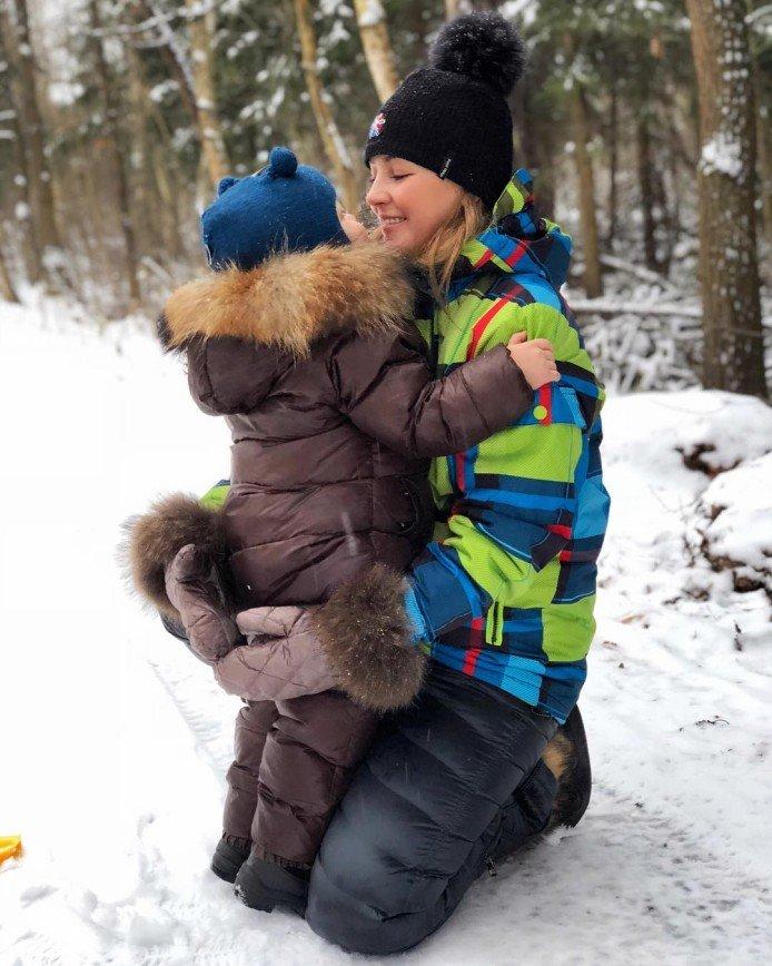 «Это всего лишь суеверия»: Анну Михайловскую просят показать лицо сына