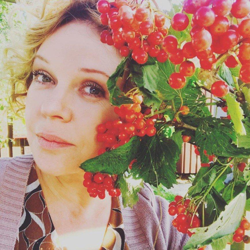 54-летняя актриса Елена Валюшкина получила диплом