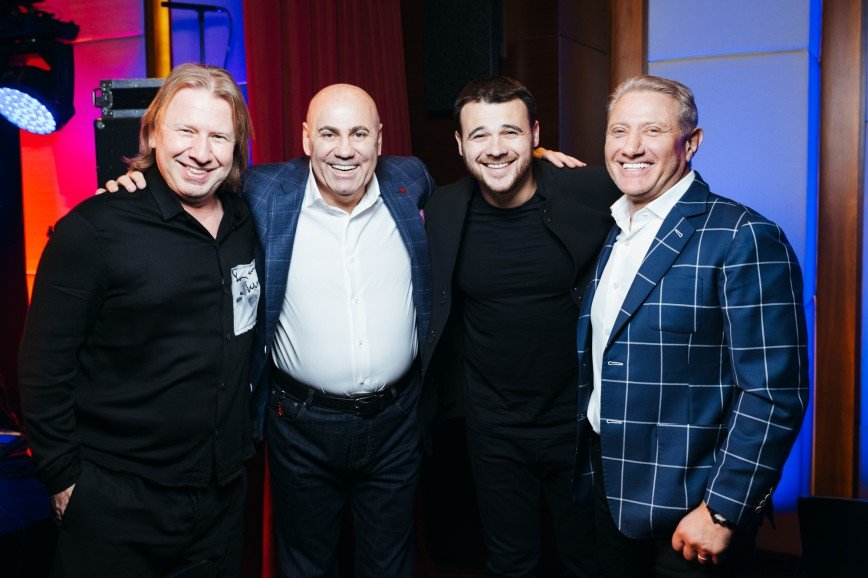 Валерия, Пригожин, Рогозин и Агаларовы поздравили Стивена Сигала с 67-летием