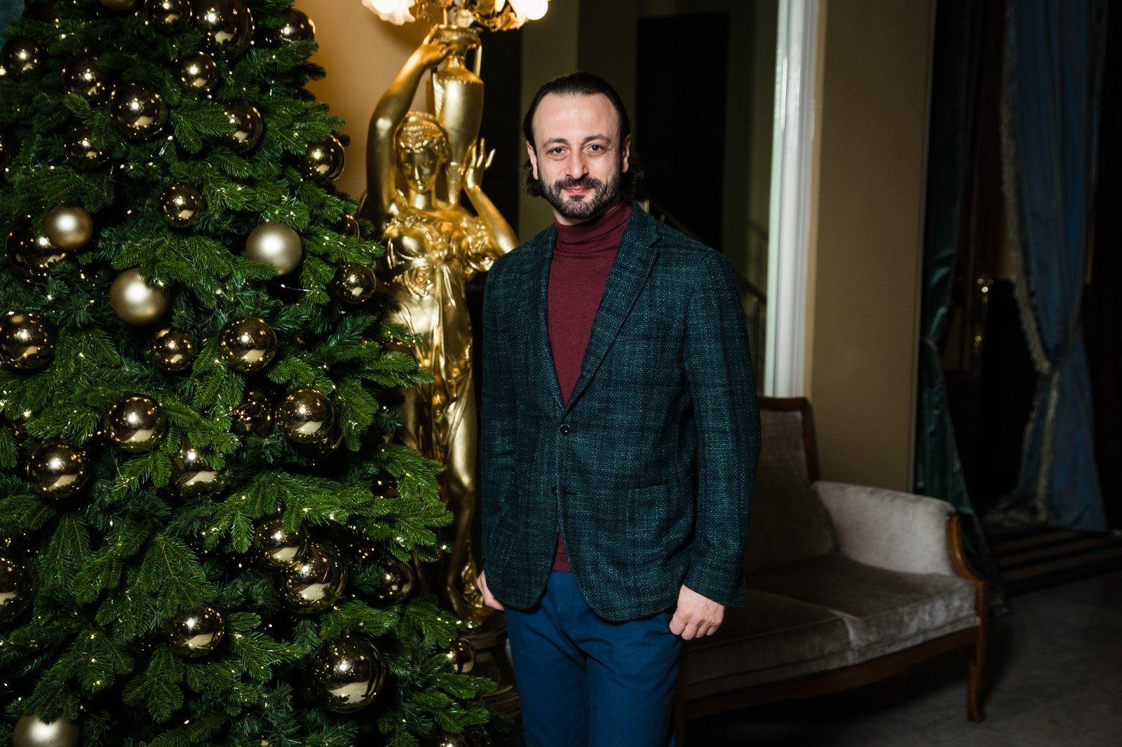 Илья Авербух и звезды фигурного катания представили новое ледовое шоу «Шутовская свадьба»