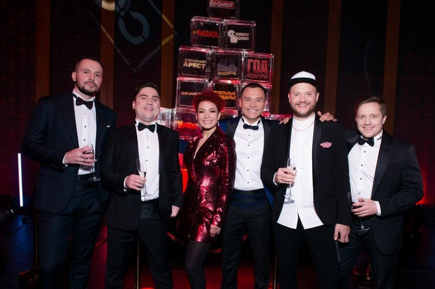 Пелагея, Анна Седокова, Полина Гагарина повеселились на съёмках новогоднего Comedy Club