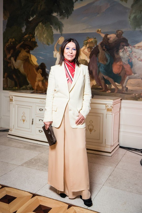 Ксения Собчак и Анфиса Чехова поддержали Милану Тюльпанову на благотворительном приеме