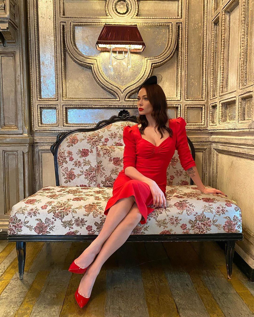 Настасья Самбурская сообщила о съемках продолжения сериала «Универ»
