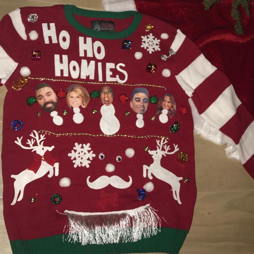 Не бойся выглядеть нелепо: самые чудовищные рождественские свитера