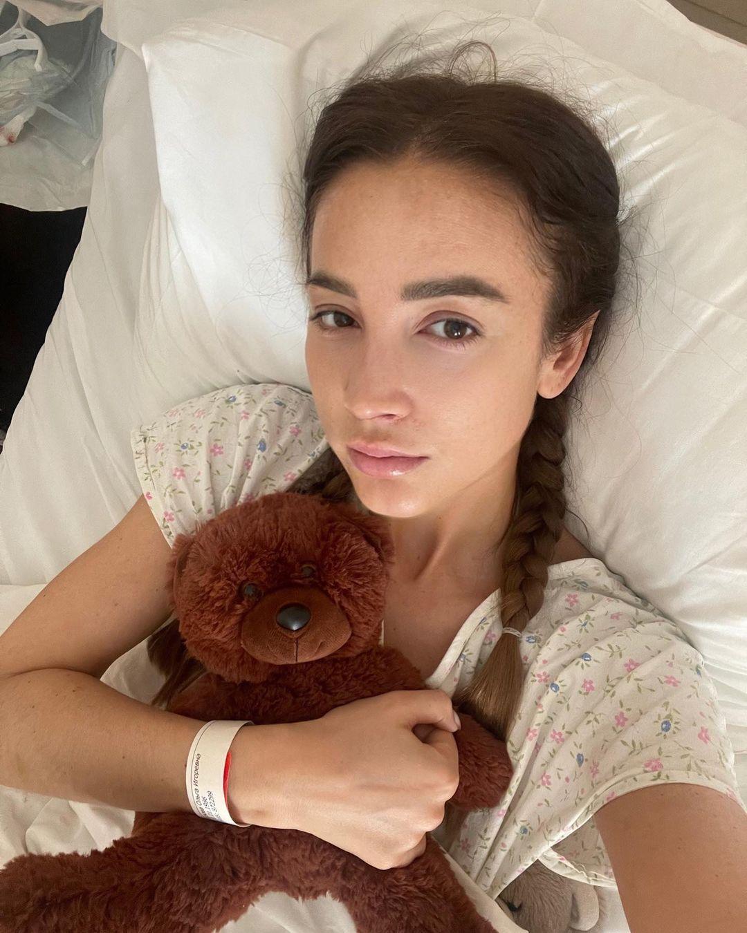 Простых операций не бывает: Ольга Бузова ответила на нападки из-за госпитализации: Несколько дней Ольга не комментировала жесткую реакцию окружающих на свою болезнь, но теперь, пойдя на поправку, Бузова признается, что произошедшее