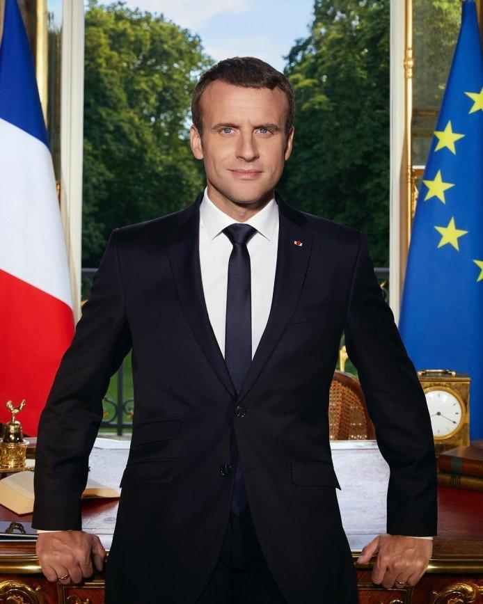 СМИ: в 16 лет президент Франции Эммануэль Макрон написал эротический роман
