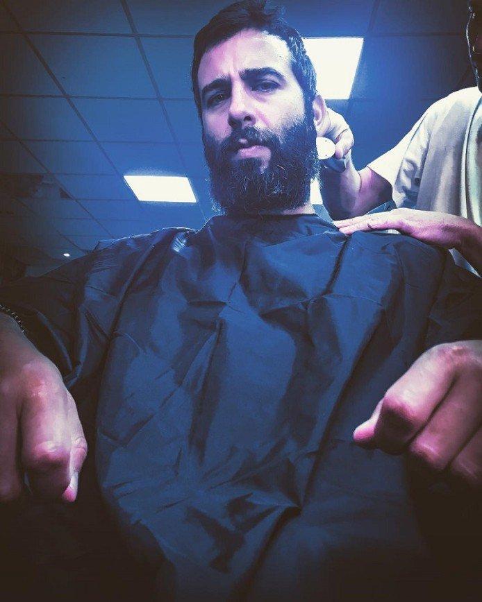 Лицо Ивана Урганта потерялось в зарослях бороды
