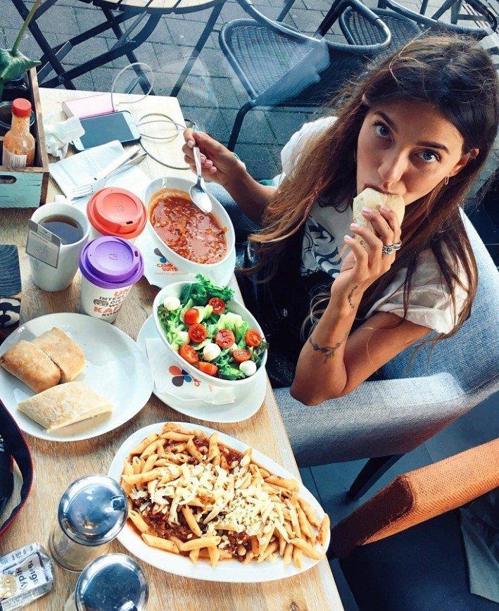 При стрессе Регина Тодоренко ест за троих
