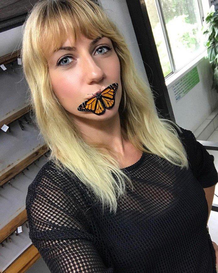 """""""Изо рта лезут бабочки"""": Леся Никитюк выложила пародию на фильм """"Молчание ягнят"""""""