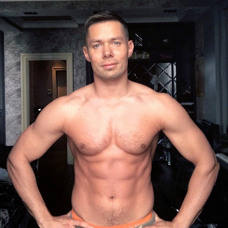 голый русский певец онлайн вам конечно нужно