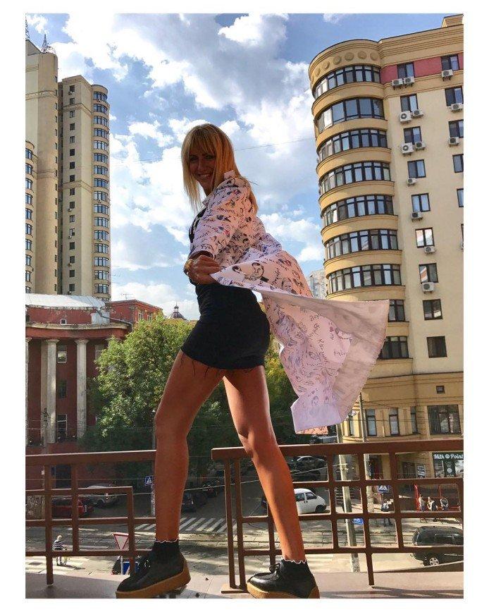 Леся Никитюк приняла участие во флешмобе имени Виктории Бекхэм