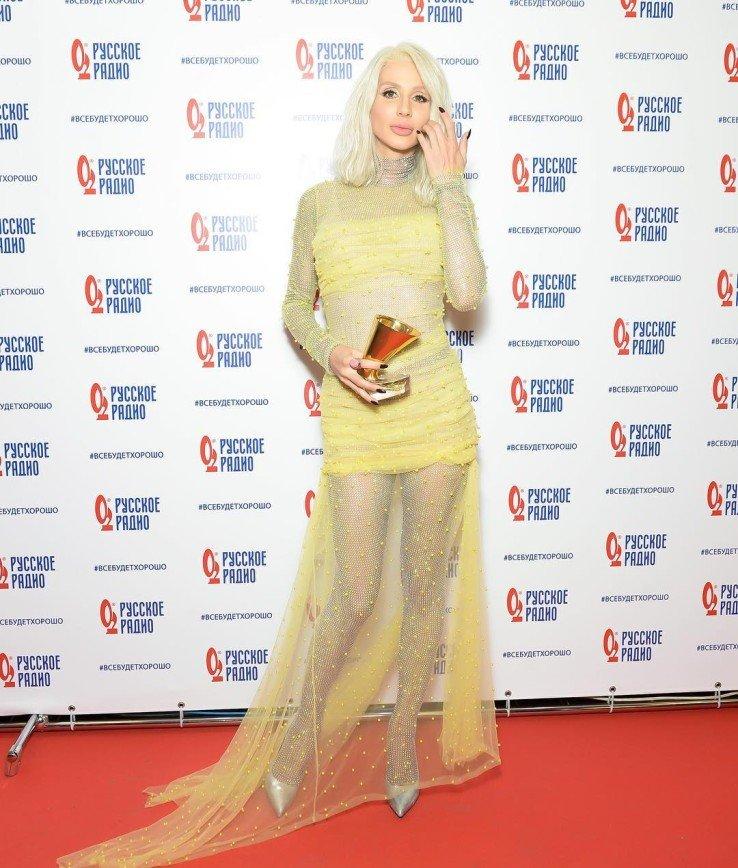 """""""Стала блёклой"""": Светлана Лобода показала новый цвет волос на """"Золотом Граммофоне"""""""