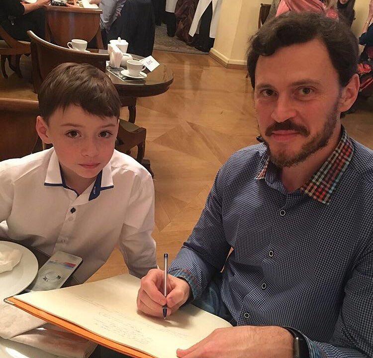 Сын Максима Маринина получил первую взрослую роль в ледовом шоу «Щелкунчик»