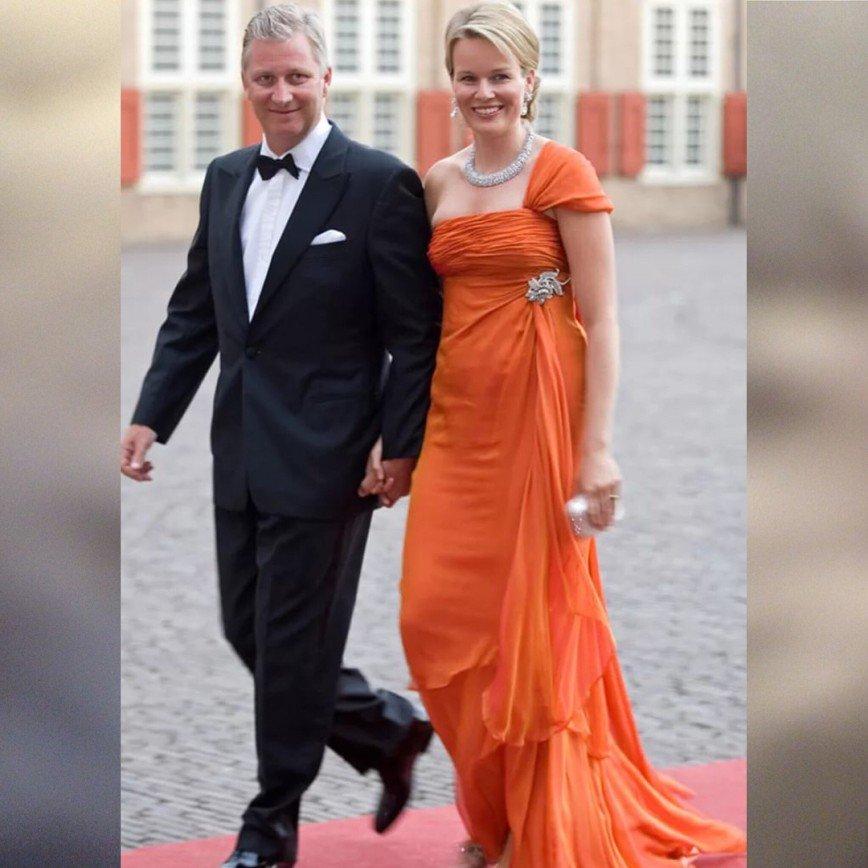 Шик и элегантность: изучаем стиль королевы Бельгии Матильды