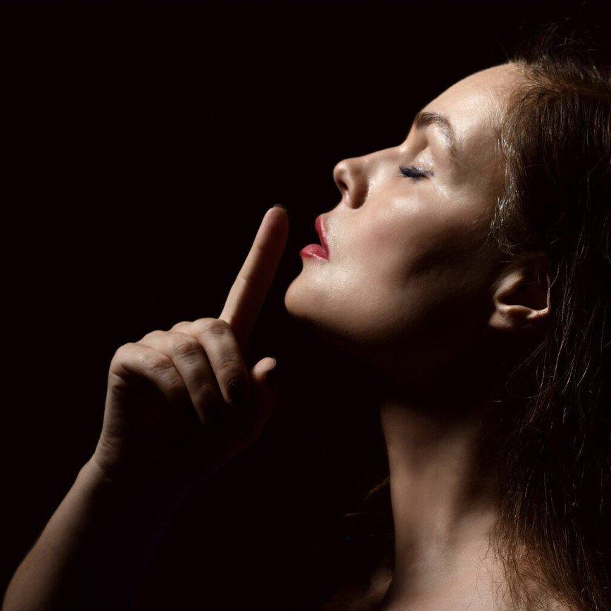 Екатерина Андреева о секретах красоты: надо редко смотреть в зеркало