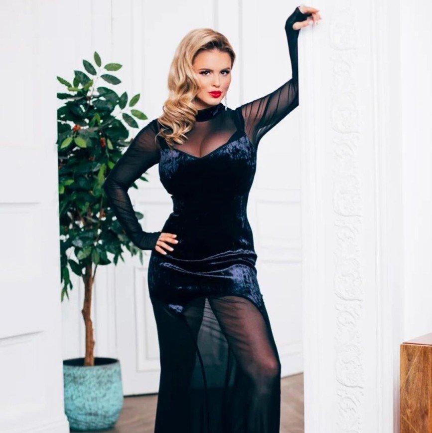 Анна Семенович призналась, что голодает ради похудения