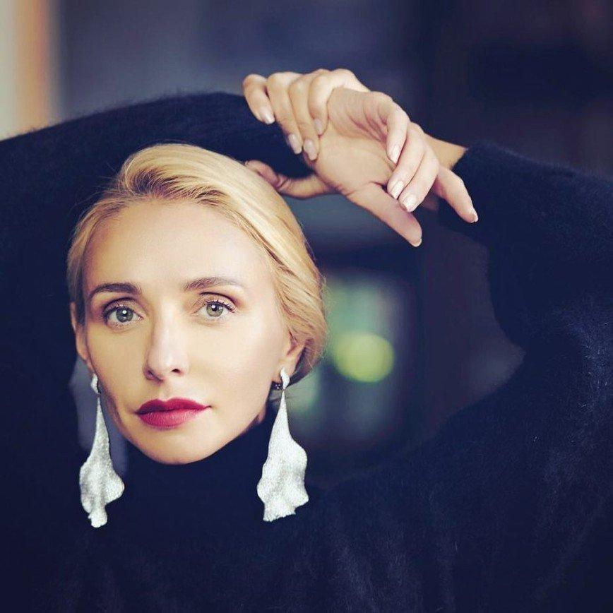 Коса - девичья краса: Татьяна Навка рассказала, как на Руси выбирали невест